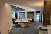 高科总部大厦 精装370平 全套家具随时看